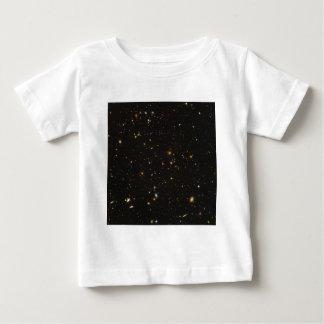 ハッブル超深い分野の宇宙のイメージ ベビーTシャツ