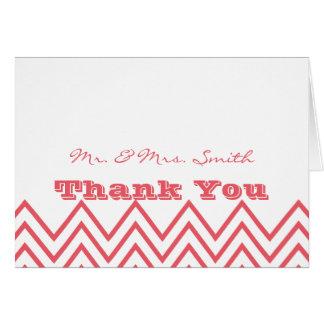 ハニーサックルのピンクのシェブロンのモダンな結婚式は感謝していしています ノートカード