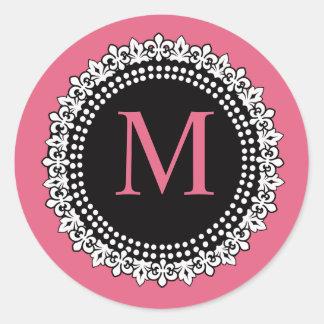 ハニーサックルのピンクのモノグラムMの(紋章の)フラ・ダ・リのステッカー ラウンドシール
