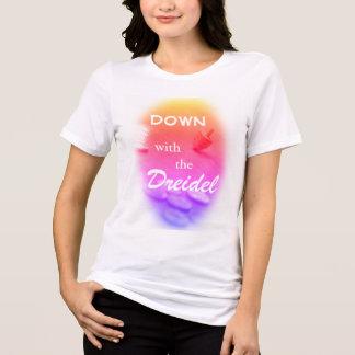 ハヌカーのおもしろいな文字とのDreidelのカラフルな勾配 Tシャツ