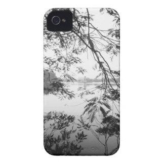 ハノイベトナムのHoan Kiem湖の眺め Case-Mate iPhone 4 ケース
