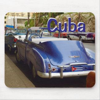 ハバナのキューバの古い車 マウスパッド