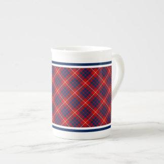 ハミルトン家族のタータンチェックの赤く、ロイヤルブルーの格子縞 ボーンチャイナカップ