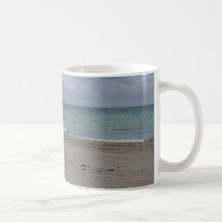 ハリウッドのビーチのクラシックなコーヒー・マグ コーヒーマグカップ