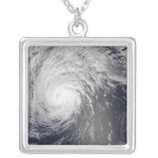 ハリケーンのフェリシア シルバープレートネックレス