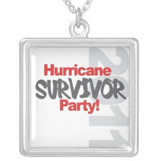 ハリケーンの存続のパーティー1011年 シルバープレートネックレス