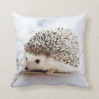 ハリネズミの枕 クッション