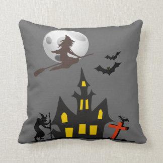 ハロウィンのお化け屋敷の枕 クッション