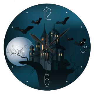 ハロウィンのお化け屋敷、死んだ木、月およびこうもり ラージ壁時計