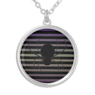 ハロウィンのくものネックレス シルバープレートネックレス