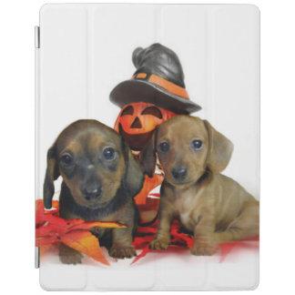 ハロウィンのダックスフントの子犬 iPadスマートカバー