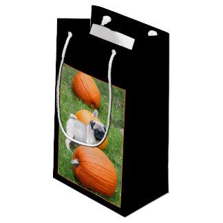 ハロウィンのパグ犬のギフトバッグ スモールペーパーバッグ