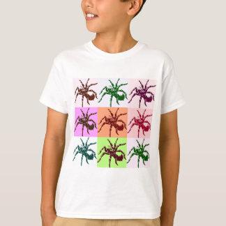 ハロウィンの恐いタランチュラのタイル Tシャツ