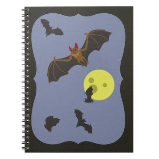 ハロウィンの気味悪いこうもり ノートブック