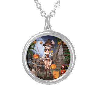 ハロウィンの海賊女の子のペンダントのネックレス シルバープレートネックレス