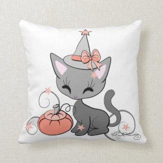 ハロウィンの魔法使い猫のオレンジ クッション