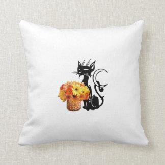 ハロウィンの黒猫およびキャンデートウモロコシ クッション