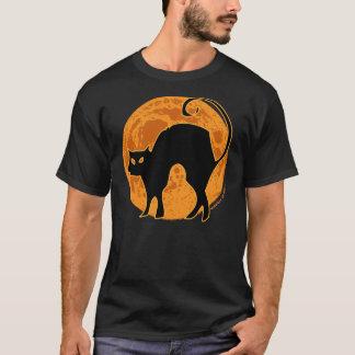ハロウィンの黒猫のオレンジの月 Tシャツ