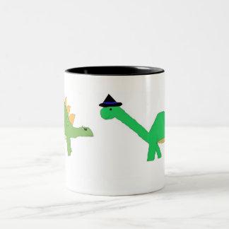 ハロウィンの2匹の恐竜のマグ ツートーンマグカップ