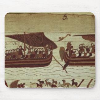 ハロルドはの完全な帆が付いているチャネルを交差させます マウスパッド