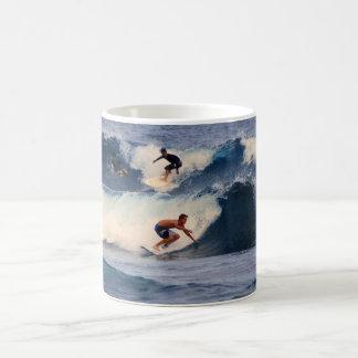 ハワイのサーファーのマグ コーヒーマグカップ