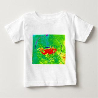 ハワイのスキューバダイバー ベビーTシャツ