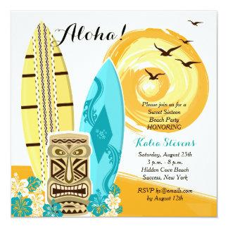 ハワイのルアウ(ハワイ式宴会)のサーフボードの招待状 13.3 スクエアインビテーションカード