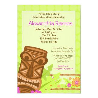 ハワイのルアウ(ハワイ式宴会)のTiki 5x7のブライダルシャワーの招待 カード