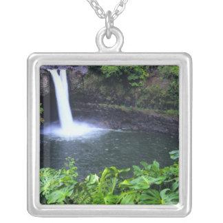 ハワイの大きい島、Hilo、虹の滝、酒 シルバープレートネックレス