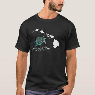 ハワイの島およびカメ Tシャツ