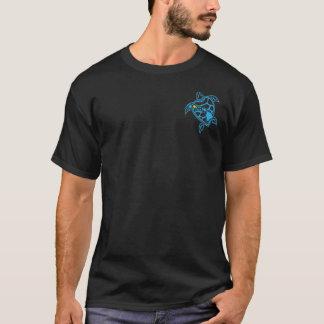 ハワイの島のカメ Tシャツ