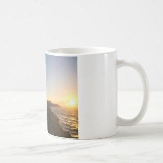 ハワイの日の出のマグ コーヒーマグカップ
