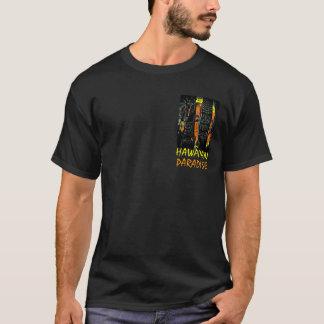 ハワイの楽園のtikiの彫像の多彩な人のティー tシャツ