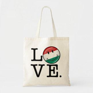 ハンガリーの微笑の旗からの愛 トートバッグ