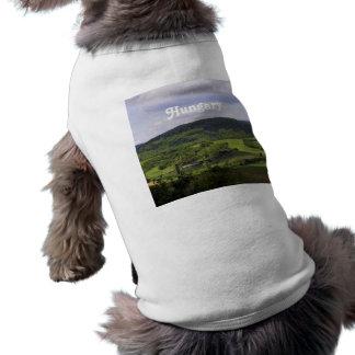 ハンガリーの緑豊かな景色 ペット服