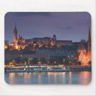 ハンガリー、ブダペスト: 城の丘、カルビン派の教会 マウスパッド