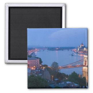 ハンガリー、ブダペスト: Szechenyiの(チェーン)橋、2 マグネット