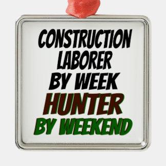 ハンターの建築の労働者 シルバーカラー正方形オーナメント