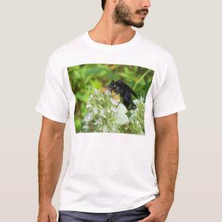 ハンドルバーの口ひげを持つスズメバチ- Tシャツ