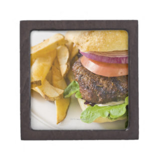 ハンバーガーおよびフライドポテト ギフトボックス