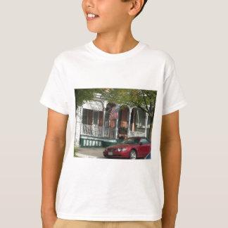 ハンプデンのムスタングそして米国旗 Tシャツ