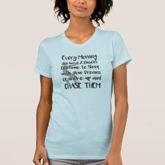 ハンマー投げによってはトラック分野のワイシャツが夢を見ます Tシャツ