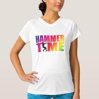 ハンマー投げの陸上競技の女性のワイシャツ Tシャツ