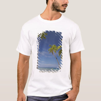 ハンモックおよびヤシの木、プランテーションアイランドリゾート Tシャツ