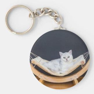 ハンモックで不精な白い猫のあること キーホルダー