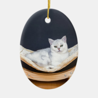 ハンモックで不精な白い猫のあること セラミックオーナメント