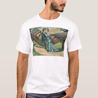 ハンモックのバレンタインカードのヴィンテージのレトロのカップル Tシャツ