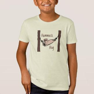 ハンモックのブタ Tシャツ