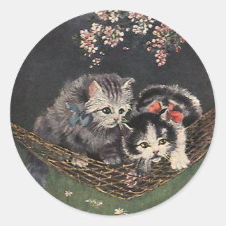 ハンモックのヴィンテージ動物、虎猫猫または子ネコ ラウンドシール