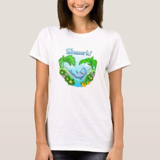 ハンモックの女性白のTシャツのShaaark Tシャツ